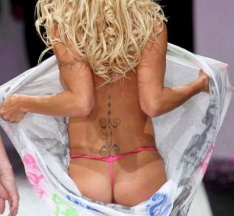 Pamela Anderson vista fondoschiena